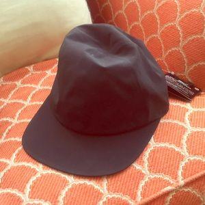 Brand NWT Lululemon ultra light speed run hat